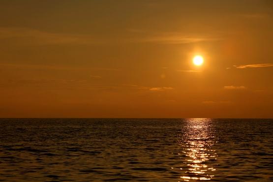 Levé du soleil dans le Golfe
