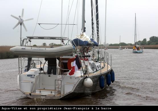 Jean-François sur son voilier Aqua-Vitae